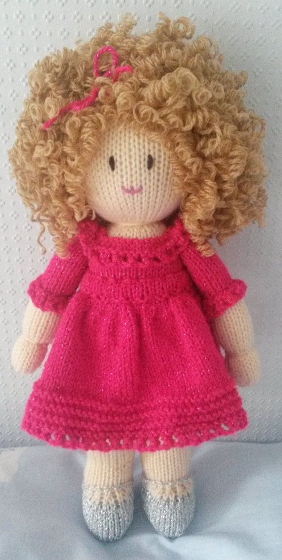 Hand knitted doll by DreamDollies on Etsy ♡ | Pelito muñeca ...