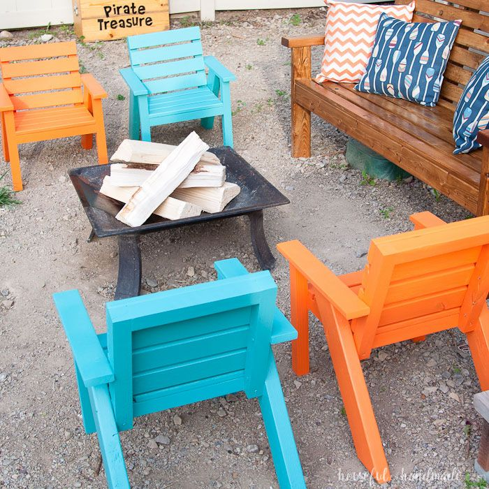 Create The Perfect Backyard Seating With These Easy DIY Kids Patio Chairs.  The Chairs Are