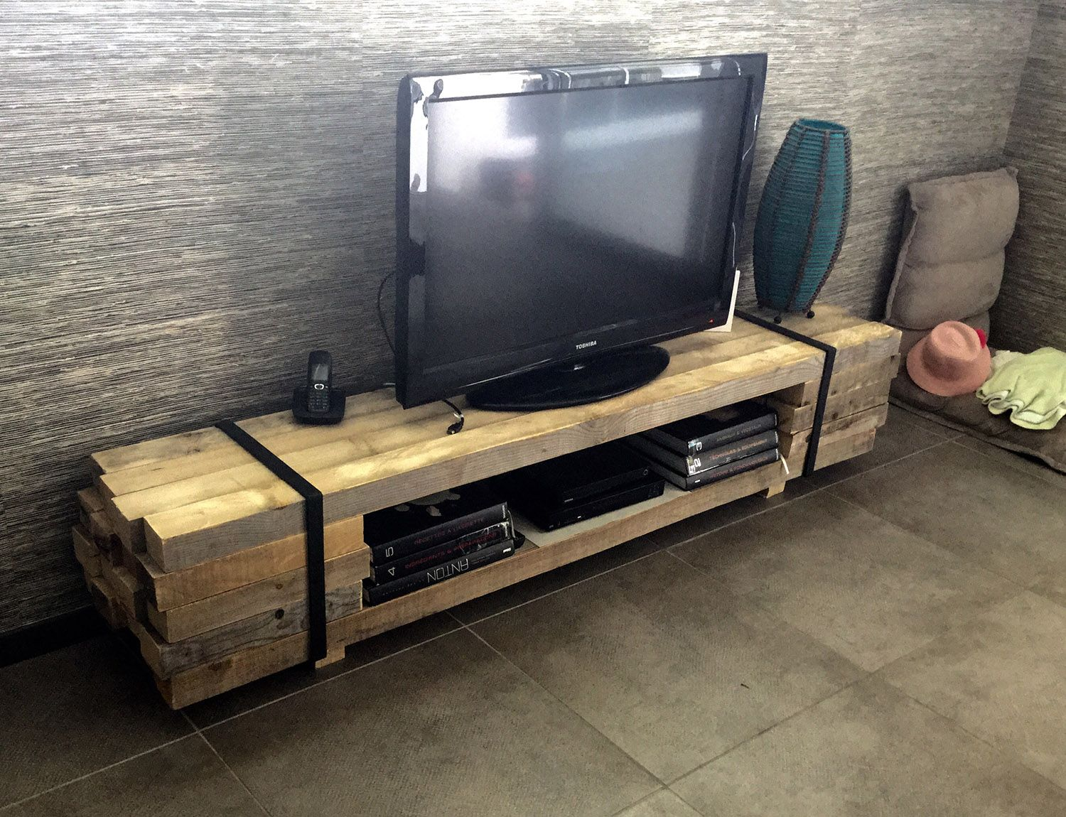 Awesome Meuble Tv Bois Palette Images Joshkrajcik Us  # Mobilier En Palette