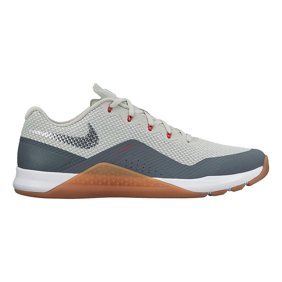 Nike Metcon Repper Dsx Pale Grey Gum Medium Dark Grey Metallic Silver Size 14 Also Like Binary Blue If Grey Is Out Hot Nike Shoes Nike Metcon Nike Men