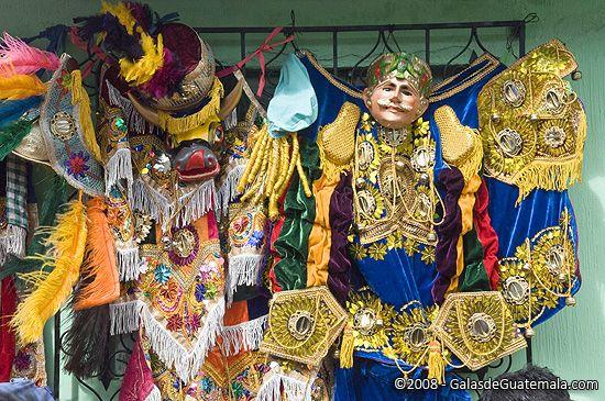 Disfraces y mascaras para el baile de la conquista, tradición de Guatemala