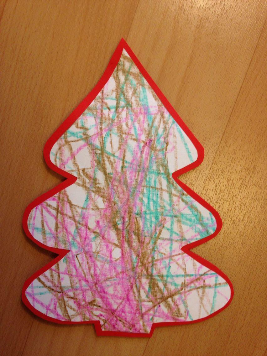 För de minsta barnen. De ritar först på papper och sedan klipper någon äldre ut formen.