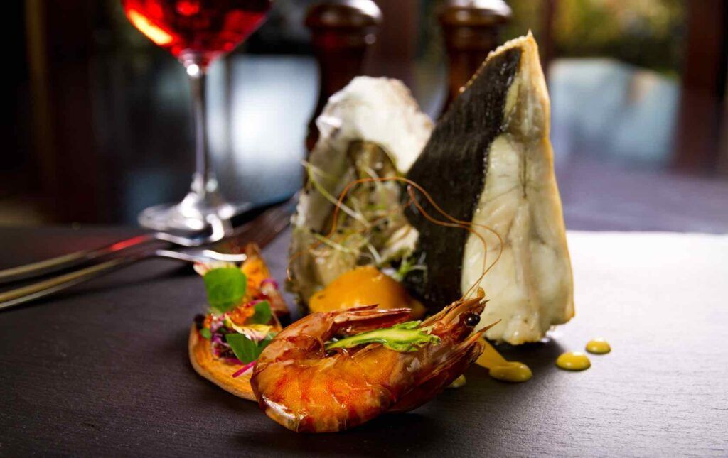 Fine Dining Restaurants In The 7th Arrondissement Eiffel Tower Eating Foodie Destinations Fine Dining Restaurant Seafood Restaurant