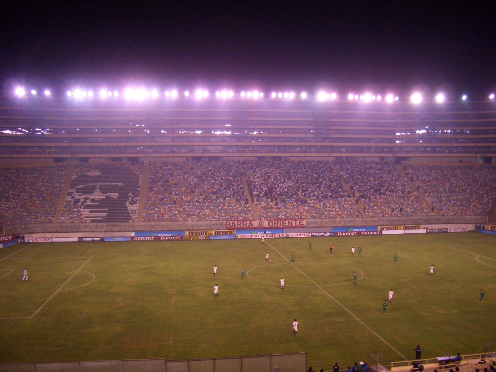 Universitario de Deportes - Sport Huancayo 3:1, Estadio Monumental, Lima, 27.5.2012 © by bmohler74
