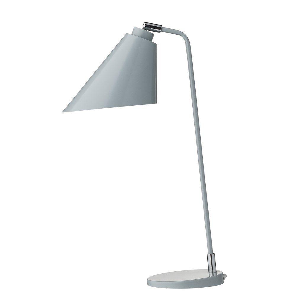 Bordlampe - Hvid H 50 cm, fra Bloomingville. En elegant designet lampe i let nordisk stil. En dejlig detalje på skrivebordet! Materiale: Metal.Størrelse:Højde :
