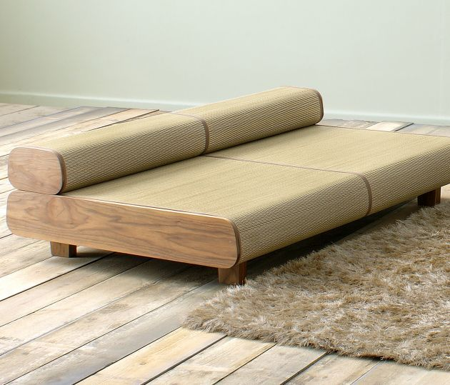 Japanese eco friendly sofa and ottoman agura by sajica for Sofa japanisches design