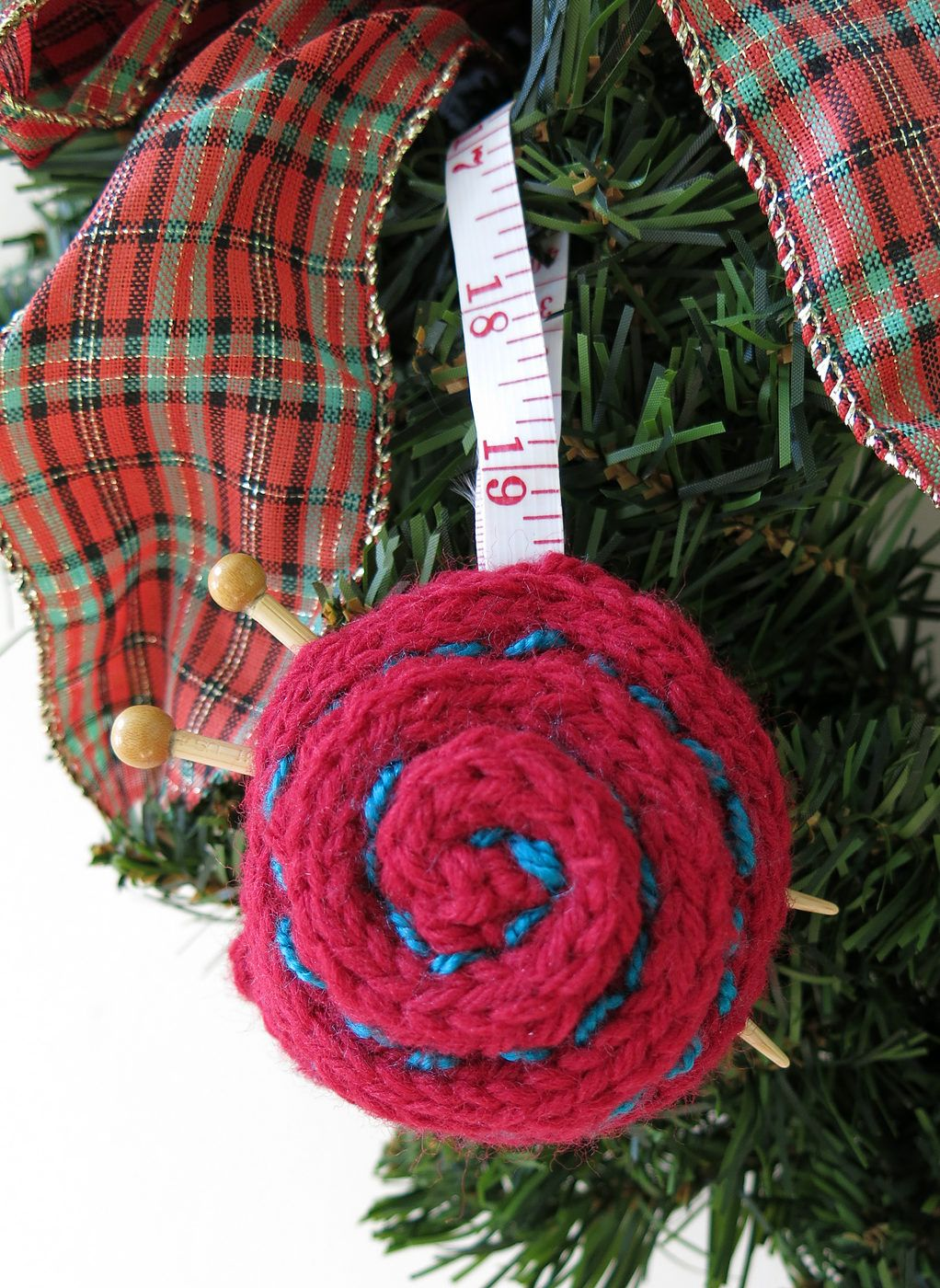 Free Knitting Pattern for Yarn Ball Ornament - Easy knitting pattern ...