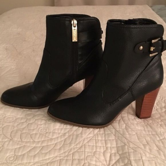 Black ankle boots Tommy Hilfiger-new! These are in nearly perfect condition. I bought these from another posher (who never wore them) but they were just a bit too small for me. They are beautiful. I wish they fit me better! Tommy Hilfiger Shoes Ankle Boots & Booties