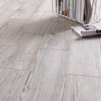 Carrelage sol et mur blanchi effet bois bayur x l for Carrelage effet parquet blanc