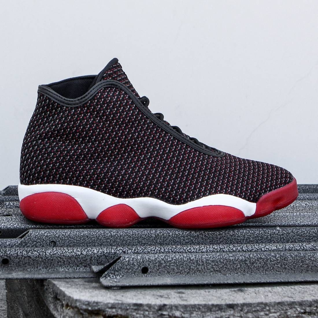 931cc8d0a04 Jordan Men Jordan Horizon (black dark grey white gym red)