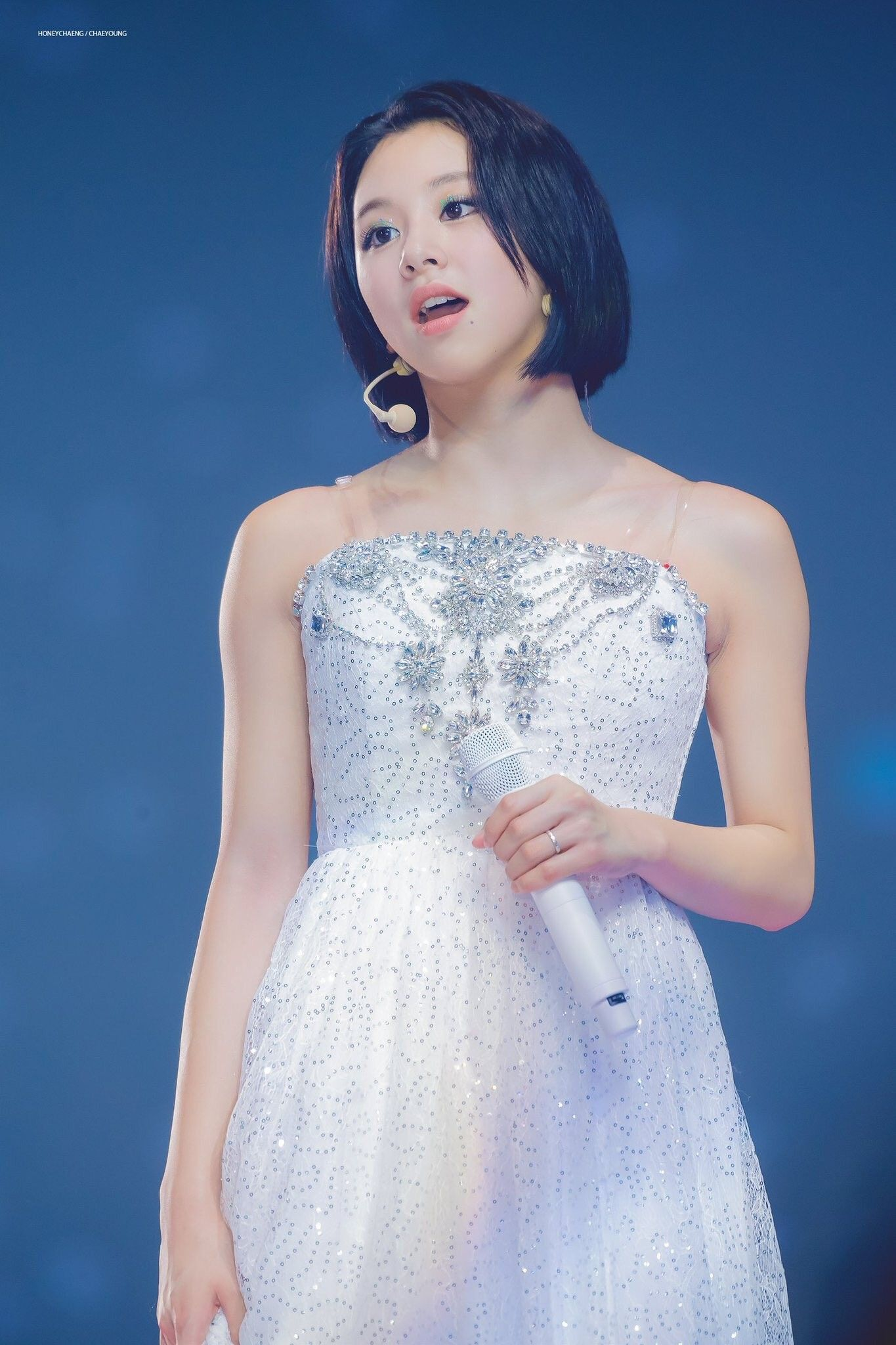 Pin by 𝕂ℙ𝕠𝕡 𝕀𝕕𝕠𝕝𝕤 on Twice_Chaeyoung (채영) Strapless