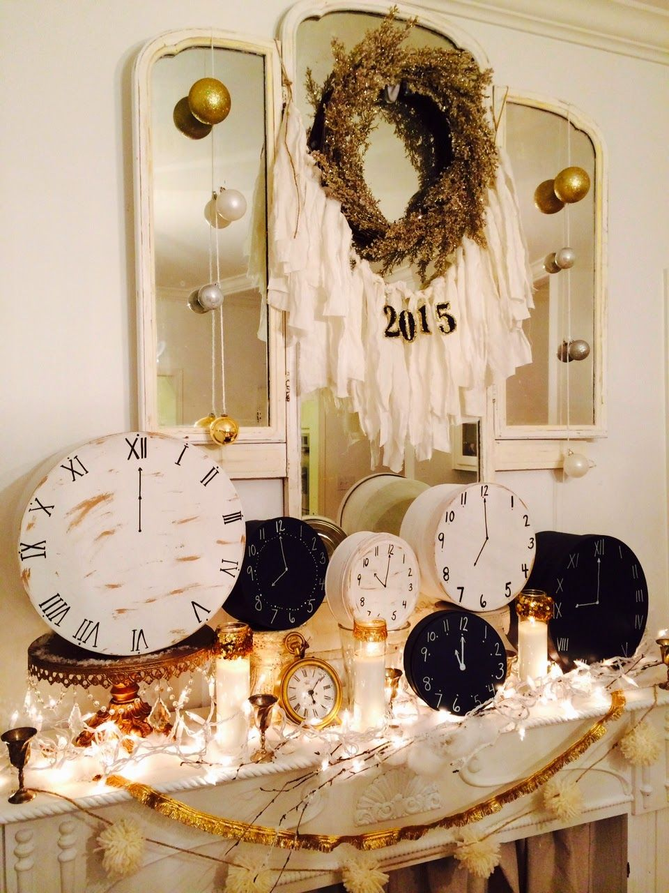 New Year's Decorating & A Fun Tradition! New year table