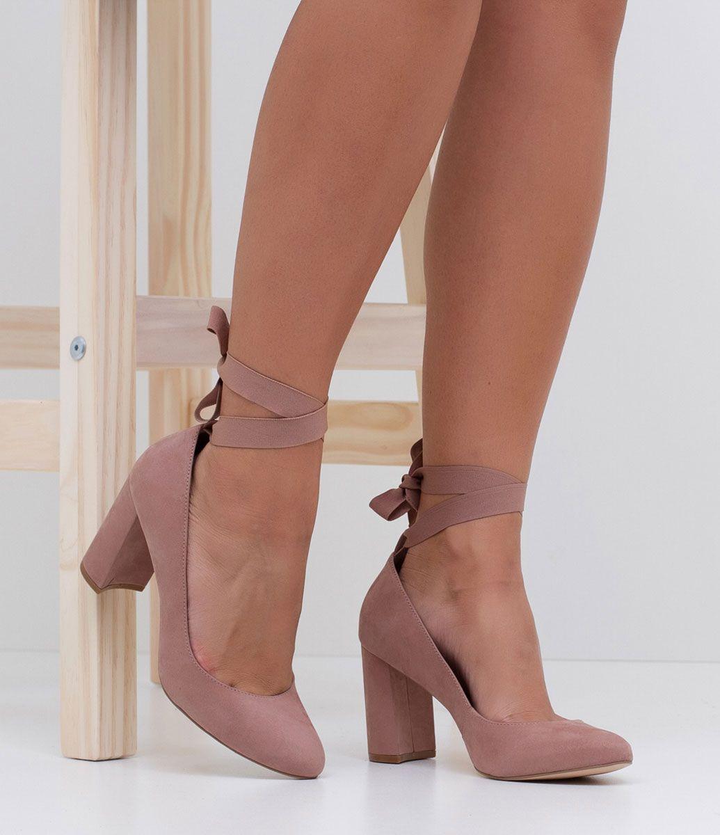 53640e2ab74 Sapato feminino Material  couro Bailarina (com amarração) Marca  Satinato  Salto grosso  8