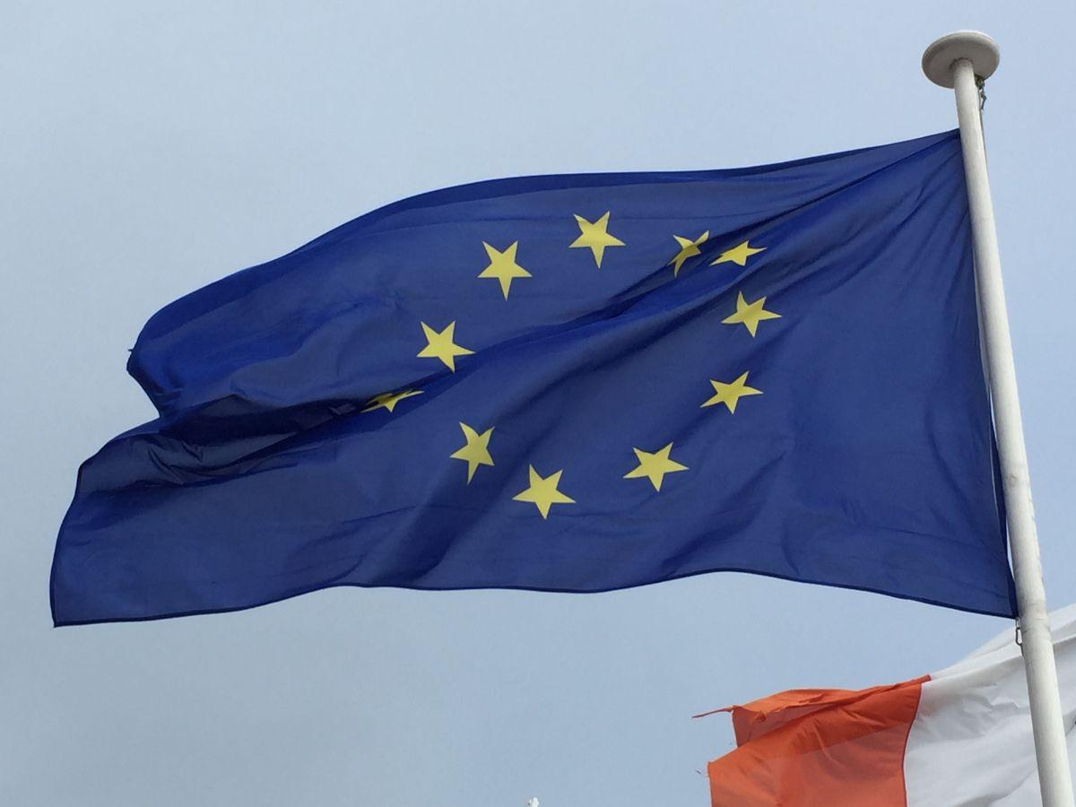 Grossbritannien verlässt die Europäische Union. 30 Millionen freie Bürger haben entschieden. – Wenn aber jemand für den Brexit verantwortlich ist, dann Angela Merkel, die deutsche Bundeskanzl…
