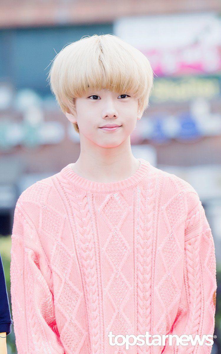 Me encantaría poder ser mas grande (De edad) y ser coreana ;;VVVVVV;;