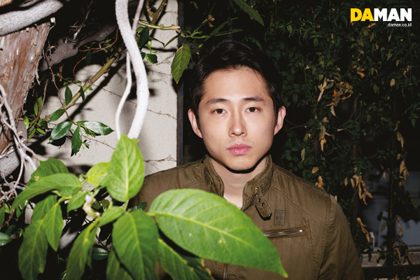http://daman.co.id/exclusive-photos-interview-with-steven-yeun-of-the-walking-dead/