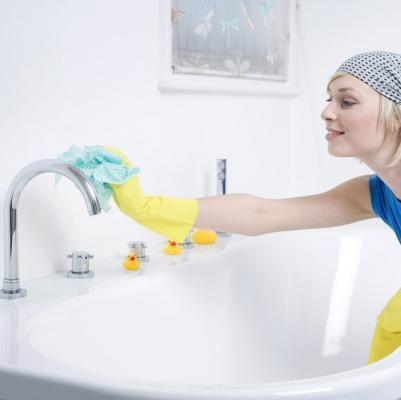 pour enlever le calcaire de la baignoire du vinaigre. Black Bedroom Furniture Sets. Home Design Ideas