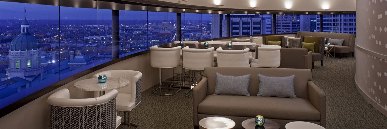 The Eagle S Nest Hyatt Regency Indianapolis Indiana Only Revolving Rooftop Restaurant Offers A View Of Downtown Skyline