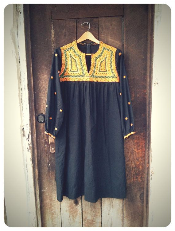 VINTAGE african tunic by RunWithTheTribe on Etsy, $40.00