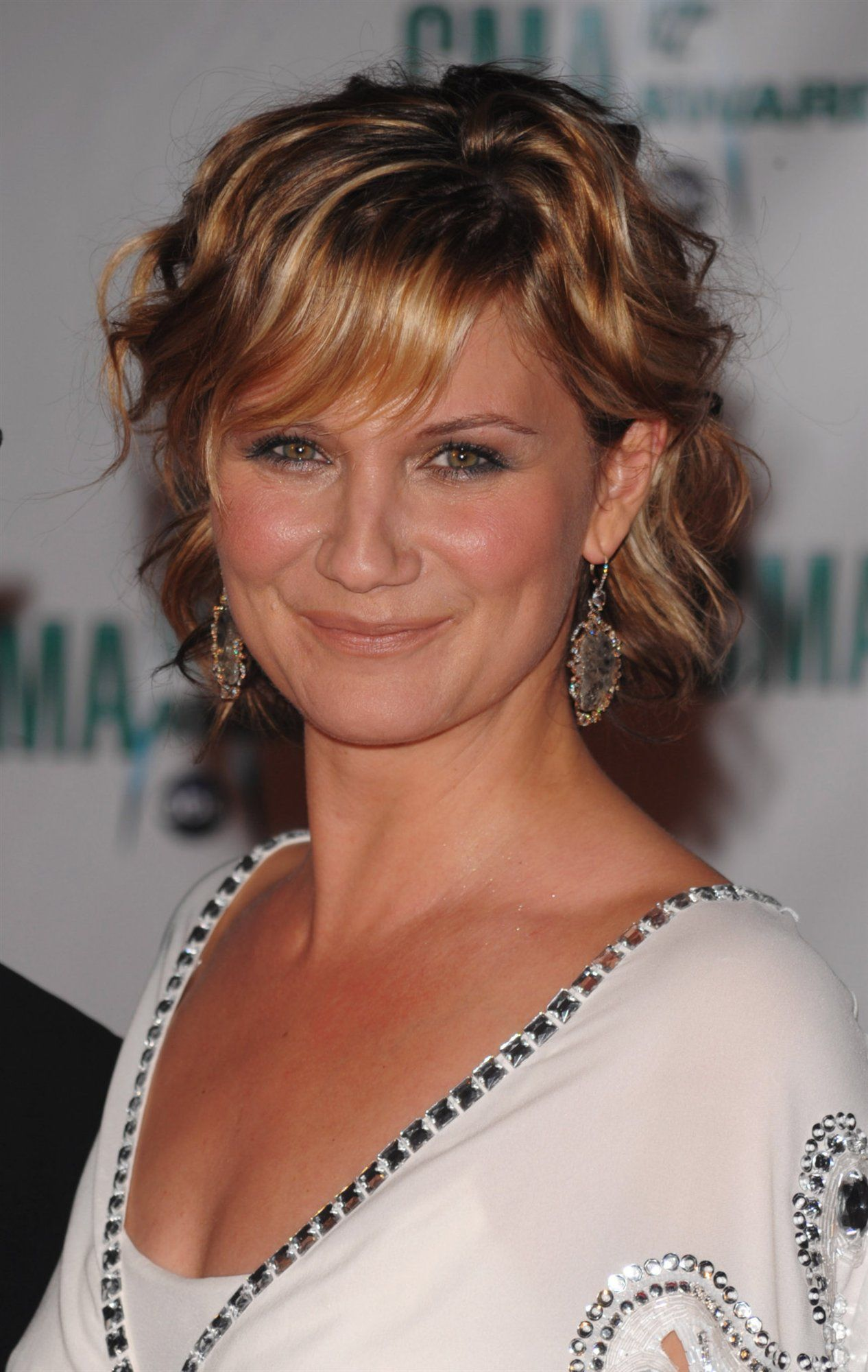 jennifer nettles | hair - the bob | jennifer nettles, curly