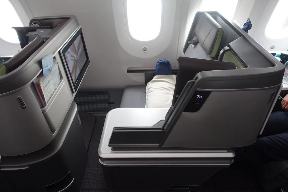 Review EVA Air 7879 Business Class