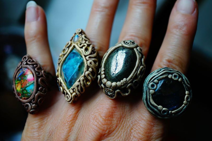Great idea for polymer clay rings! Polymer clay ring