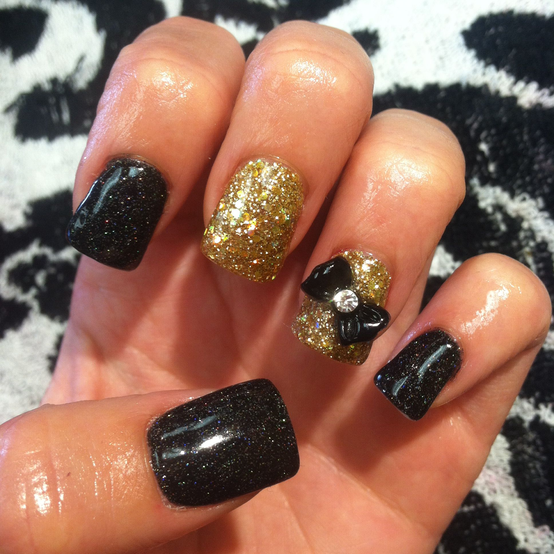 Sparkley bow nails! Follow me on ig at @Adris_Nails :)
