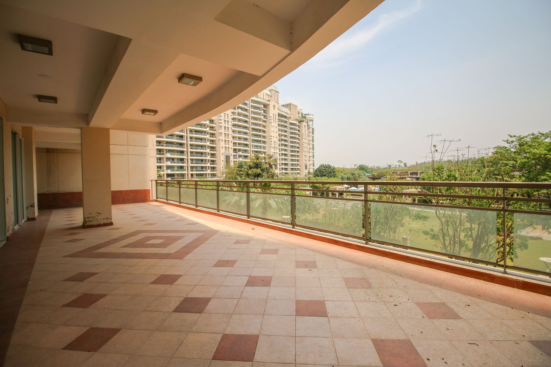 Call now if you are looking for 4BHK Flats on rent. Flats
