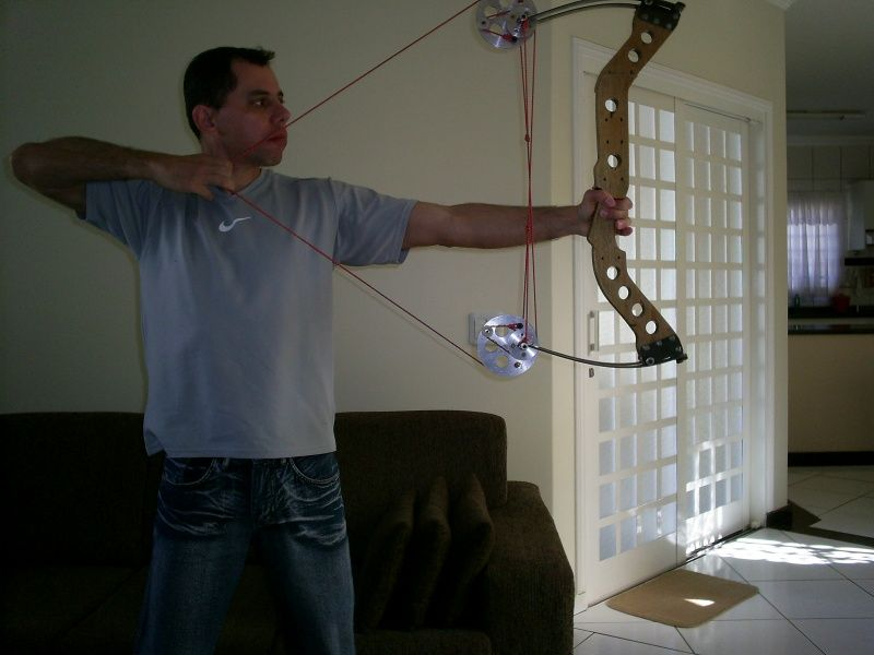 homemade compound bow by Fabiomic
