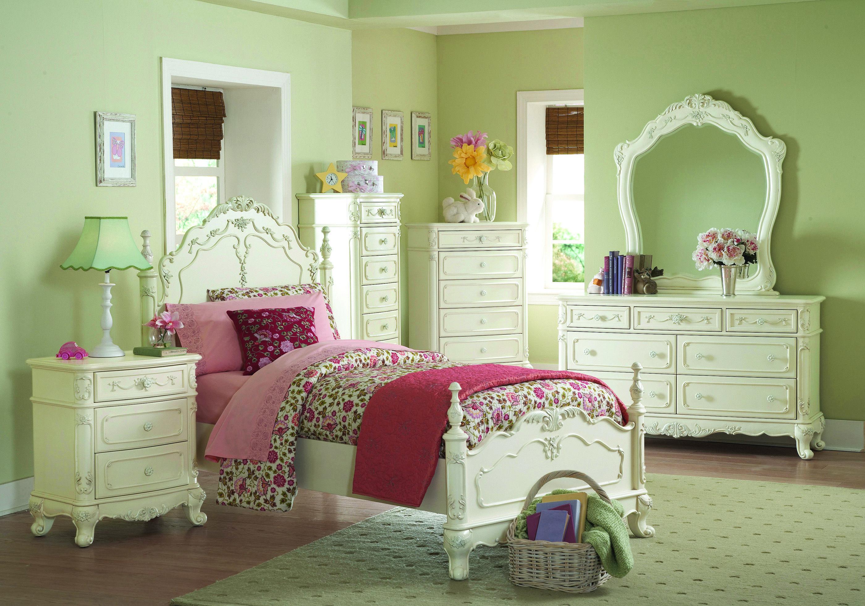 Homelegance Cinderella White Queen 5pc Bedroom Set Girls