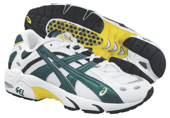 TN820 - 1998:  Transitioned from use of synthetic leather from suede. Moreover, the shoe highlights were more noticeable than previous editions in the product series.