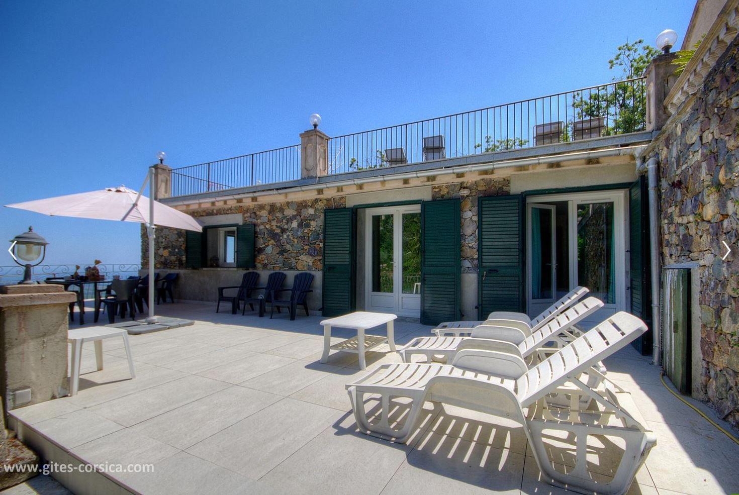 Que Diriez Vous De Passer Vos Vacances Dans Un Endroit Paisible Proche De La Nature Avec Vue Sur La Mer Cet A Maison Style Locations Vacances Vacances Corse
