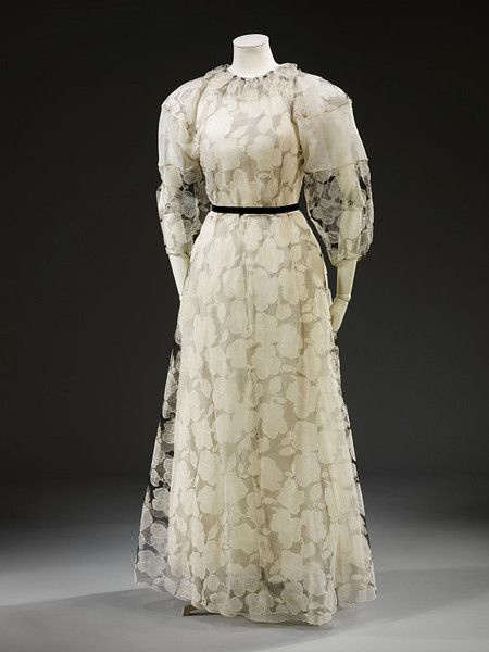 Dress    Madeleine Vionnet, 1935