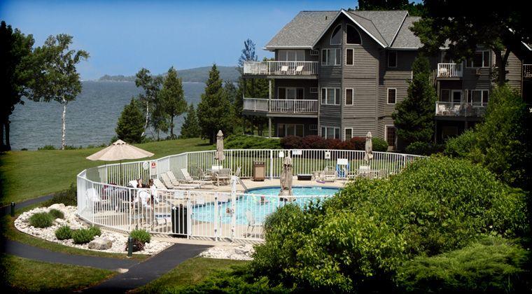 Door County Waterfront Resort And Hotel Bay Shore Inn Door County Hotels Door County Wisconsin Lodging Wisconsin Travel