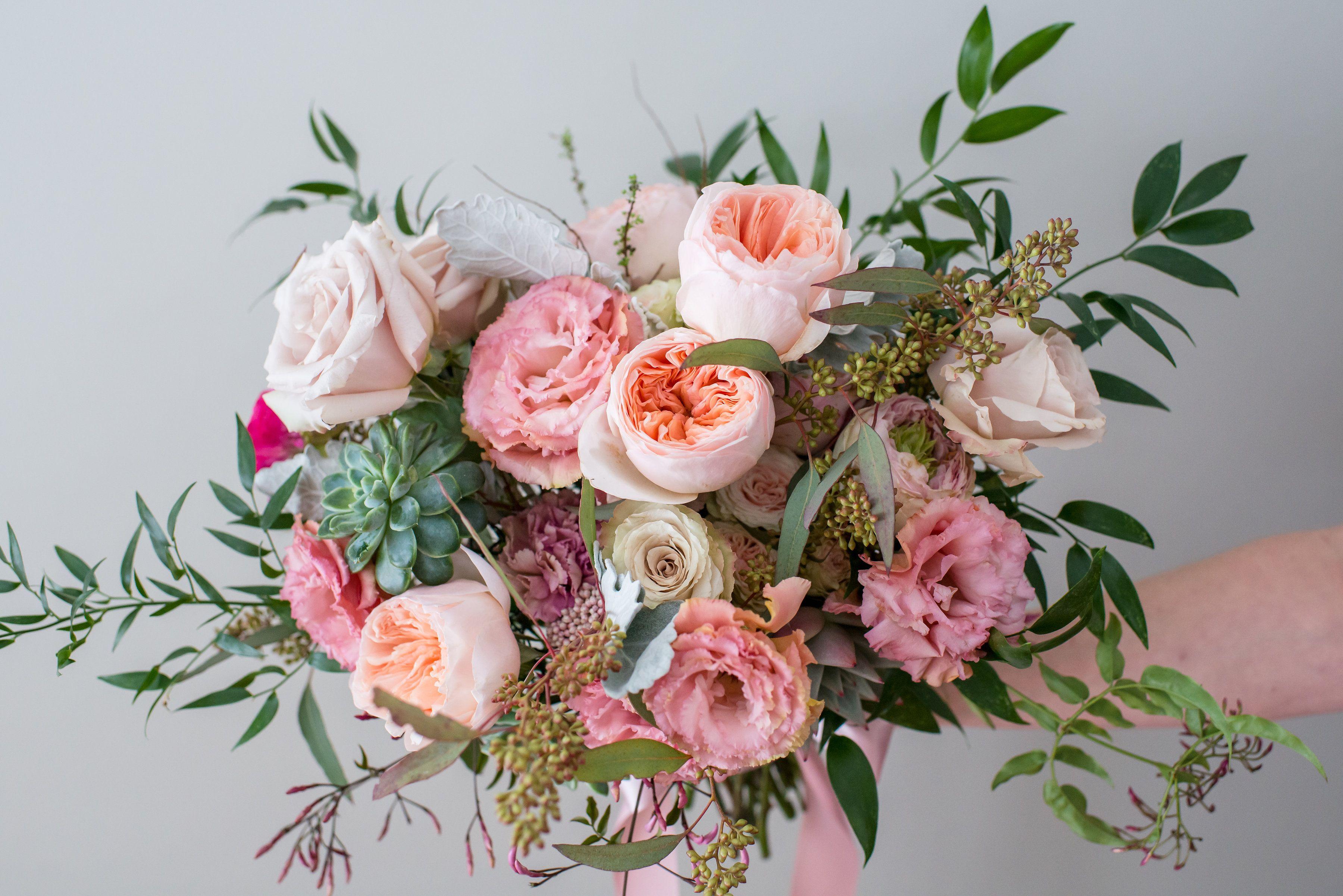 Romantic Wedding Bouquet In Peach Blush And Cream Tones With Garden Roses Lisianthus Roses Succulents Jasmine Wedding Bouquets Floral Decor Maine Wedding