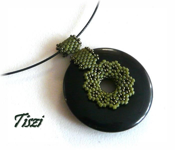 Beaded donut beading pendants and bales pinterest colgantes beaded donut aloadofball Image collections