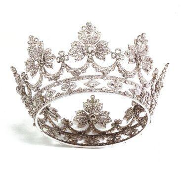 Corona di nozze di diamanti della regina consorte vittoria for Tiara di diamanti