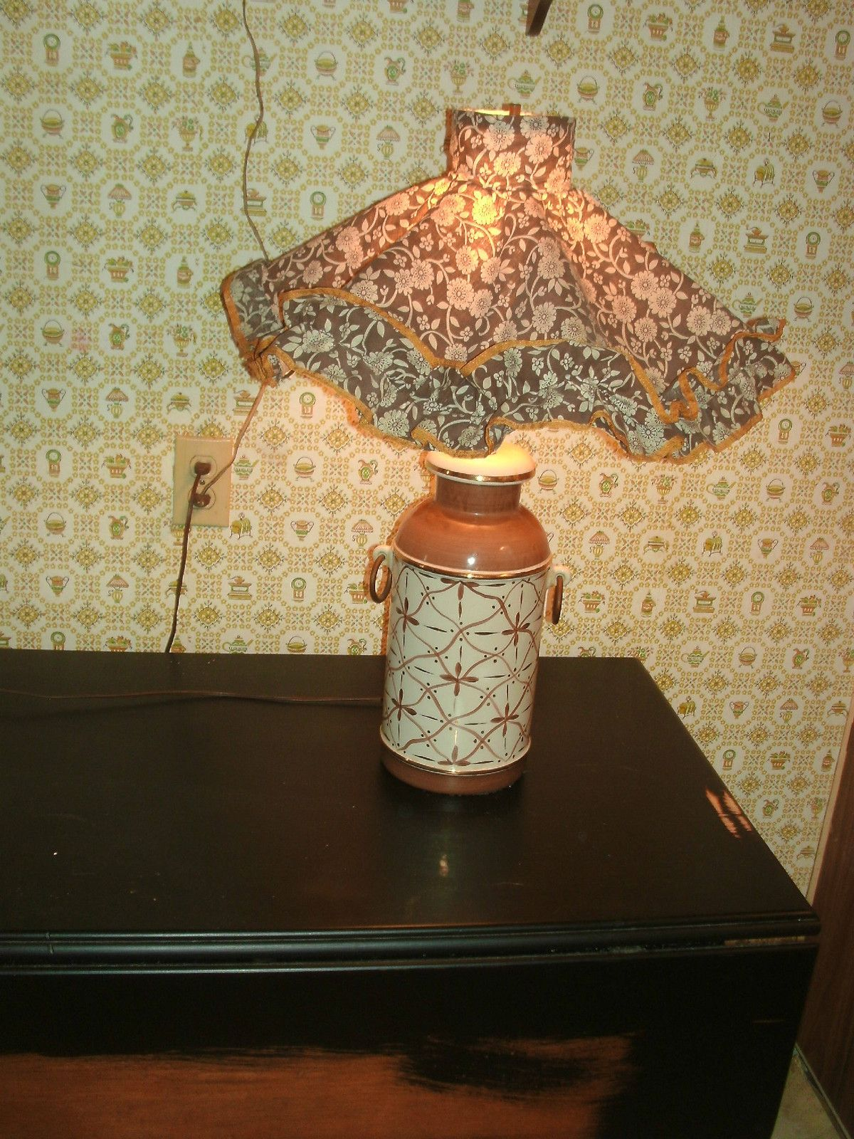 Unique Old Milk Can Shape Ceramic Table Lamp Shabby Country Cabin Farmhouse Ebay Old Milk Cans Ceramic Table Lamps Milk Cans