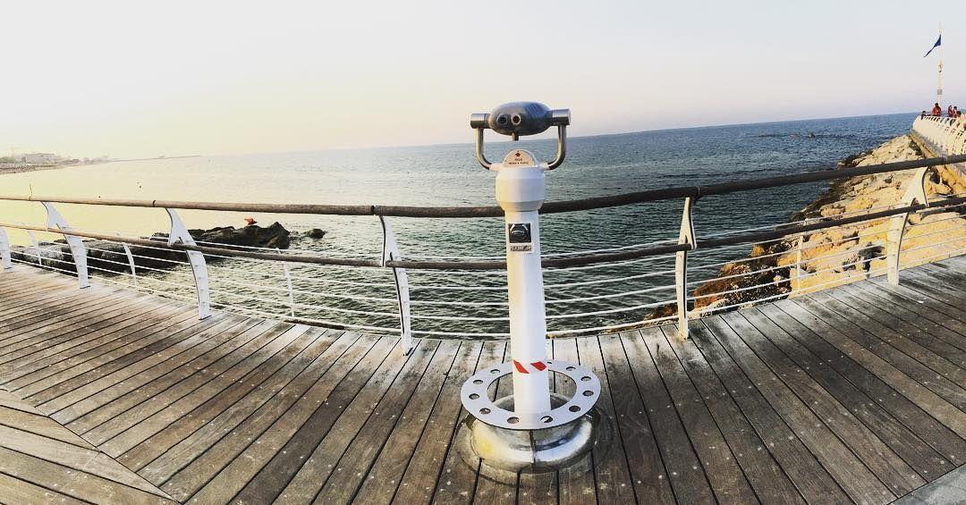 Tieni gli occhi piantati verso l'orizzonte! #Pesaro #wepesaro #instamoment #instamood #igers #igersitalia  #igerspu #marche #tourism #sea #landscape #orizzonte #mare  #tramonto