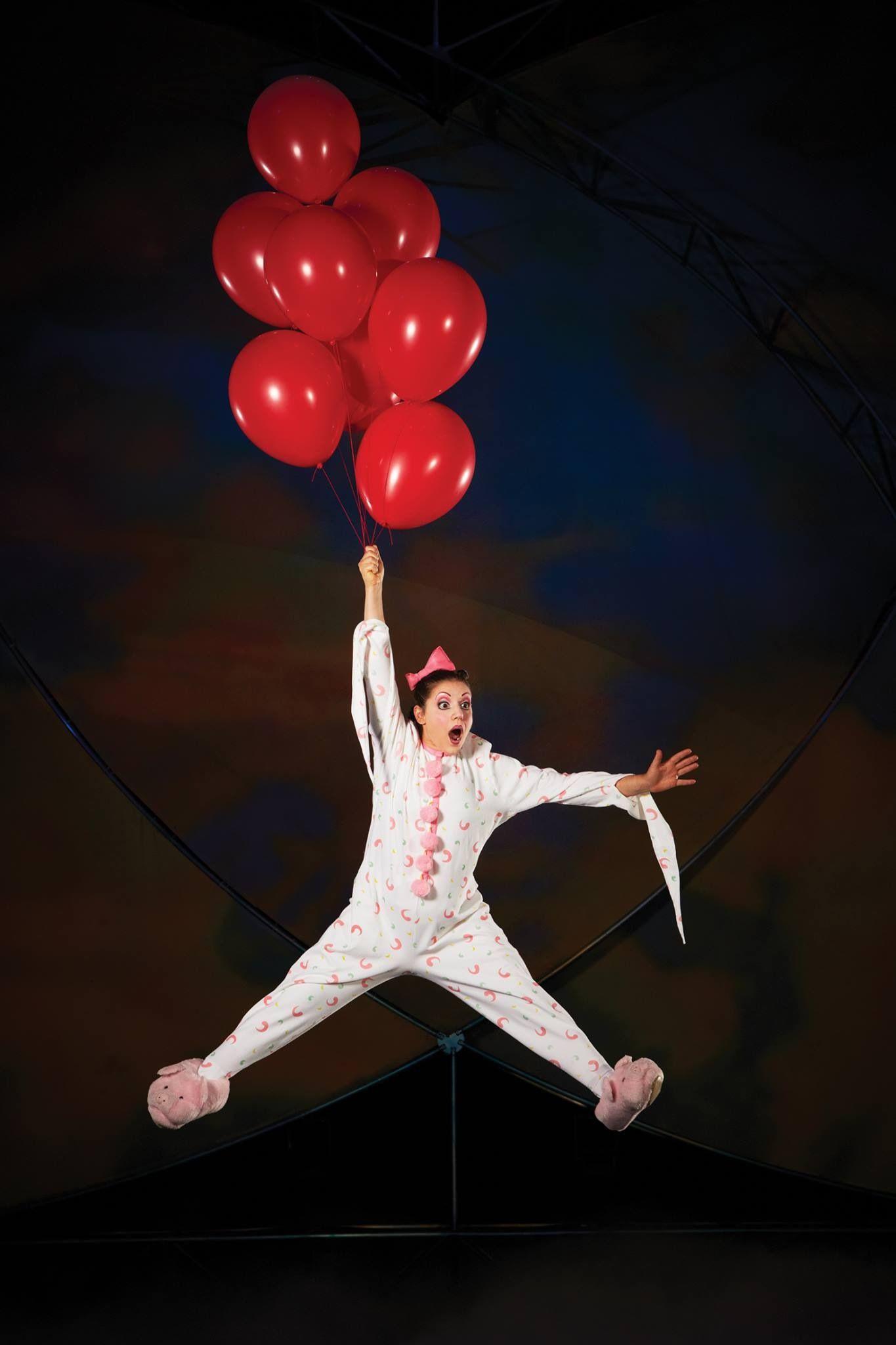 Circus Red White Cirque Du Soleil Mystere Cirque Du Soleil Cirque Du Soleil Personnages De Cirque