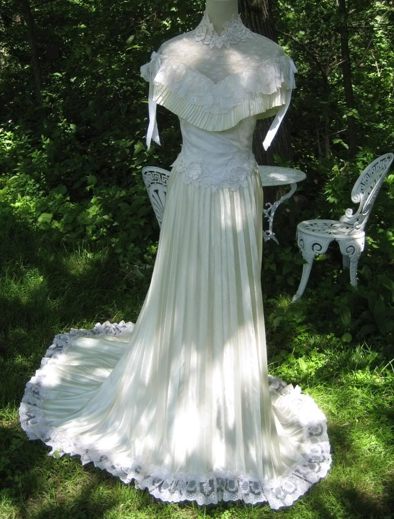 For Sale Vtg 70s Victorian Pleated Wedding Gown Dress