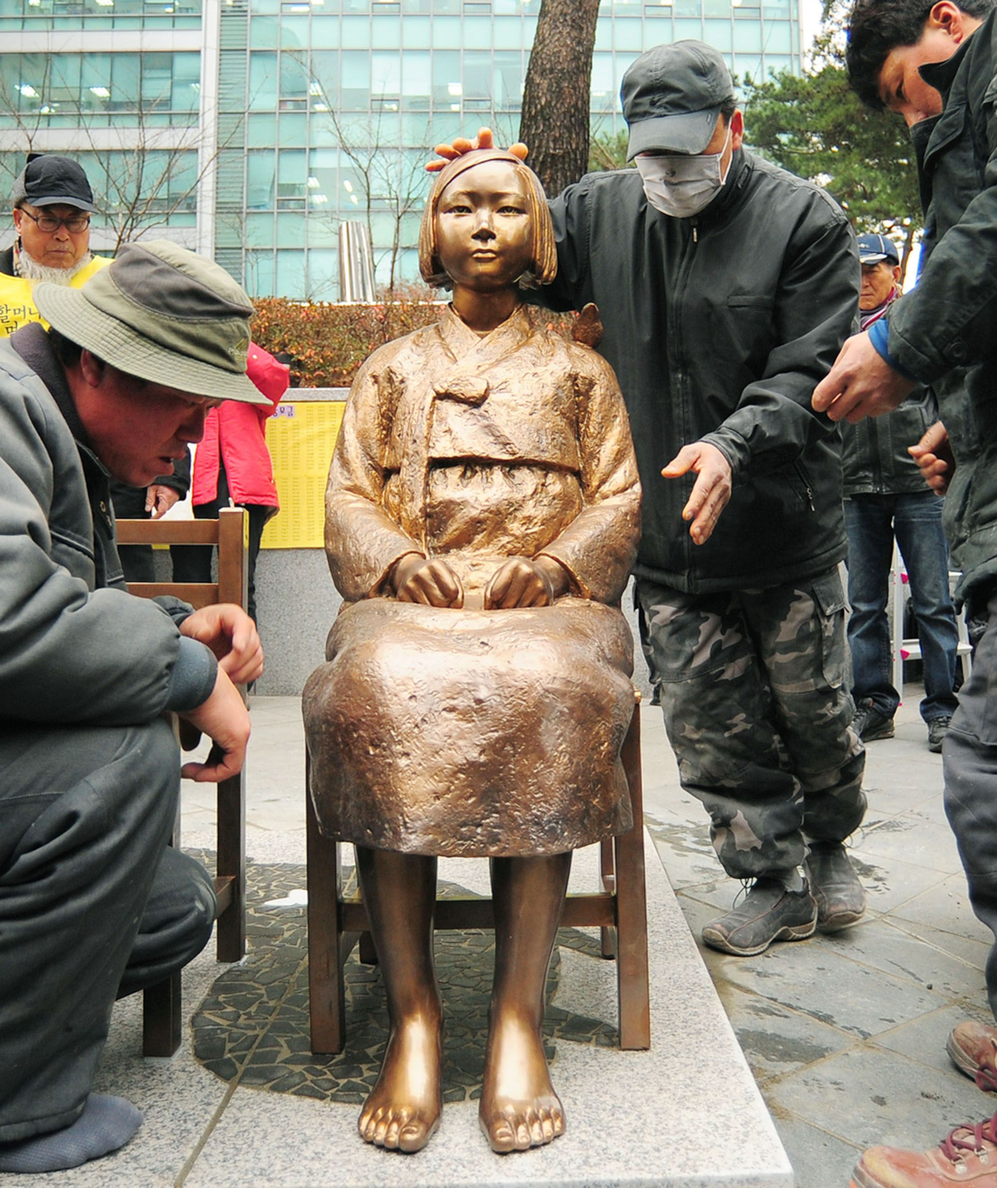 Japan To Demand Comfort Women Statue Outside Embassy In Seoul Be