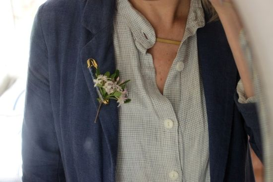 Not sure when I'd ever wear one, but this natural brooch is so sweet!
