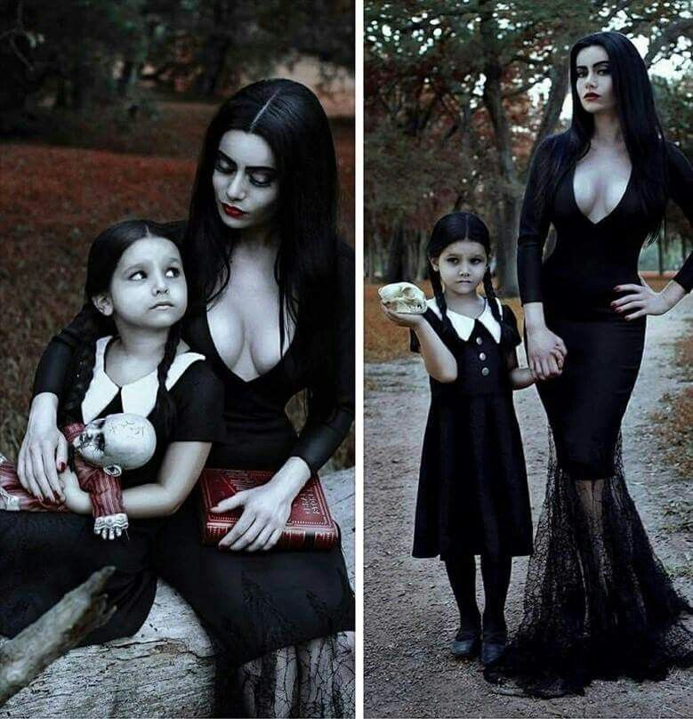 morticia wednesday addams white moth photography moda. Black Bedroom Furniture Sets. Home Design Ideas