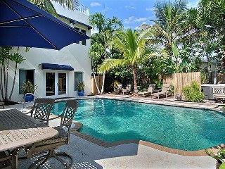 a7a4a41f65b851 3 Bedroom 4 Bath - Tropical Villa Steps To Beach