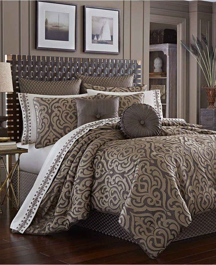J Queen New York Astoria Queen 4Pc. Comforter Set Bedding