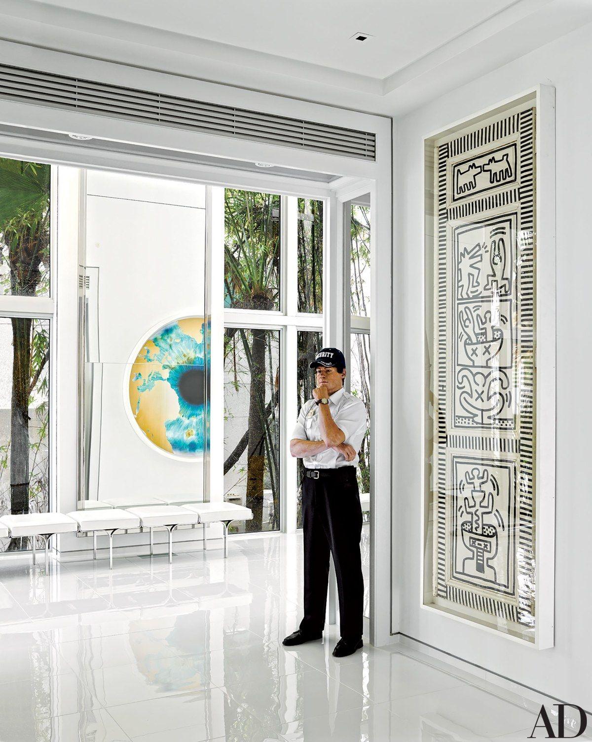 Fashion Designer Tommy Hilfiger\u0027s Vibrant Home in Miami ...