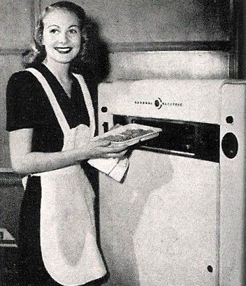 In 1945 Percy Lebaron Spencer An American Engineer And Inventor Accidentally Invented The Microwave Oven First One Weighed 750 Lbs Was Size