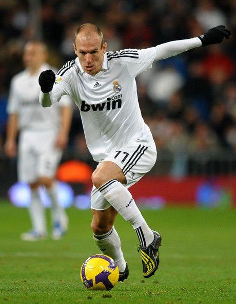 online store 9c1ff 19e7c Arjen Robben in Real Madrid v Racing Santander - La Liga ...