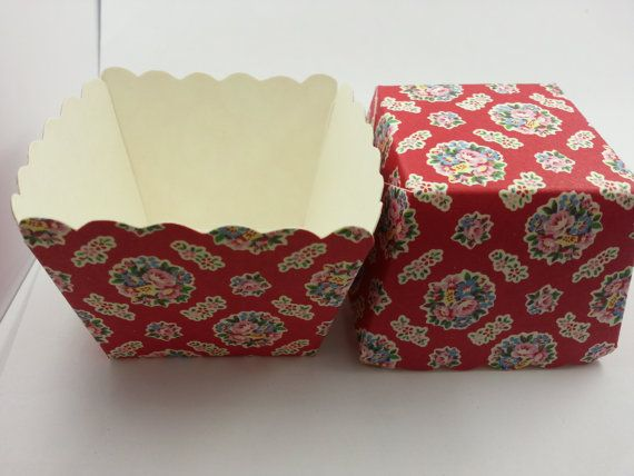 NEW Beautiful Red Rose Square Baking Cups 10pcs par muimuichow, $3.00
